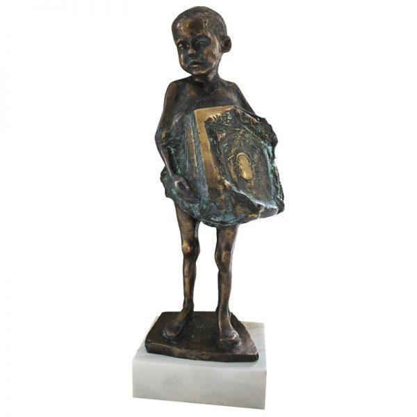 Portret de copil cu zmeu-sculptura-cristian-pentelescu