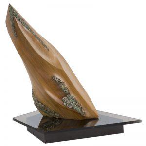 Fecioara-sculptura-romeo-moldovan